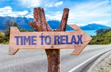 FotkyFoto_time-to-relax-wooden-sign_73439373